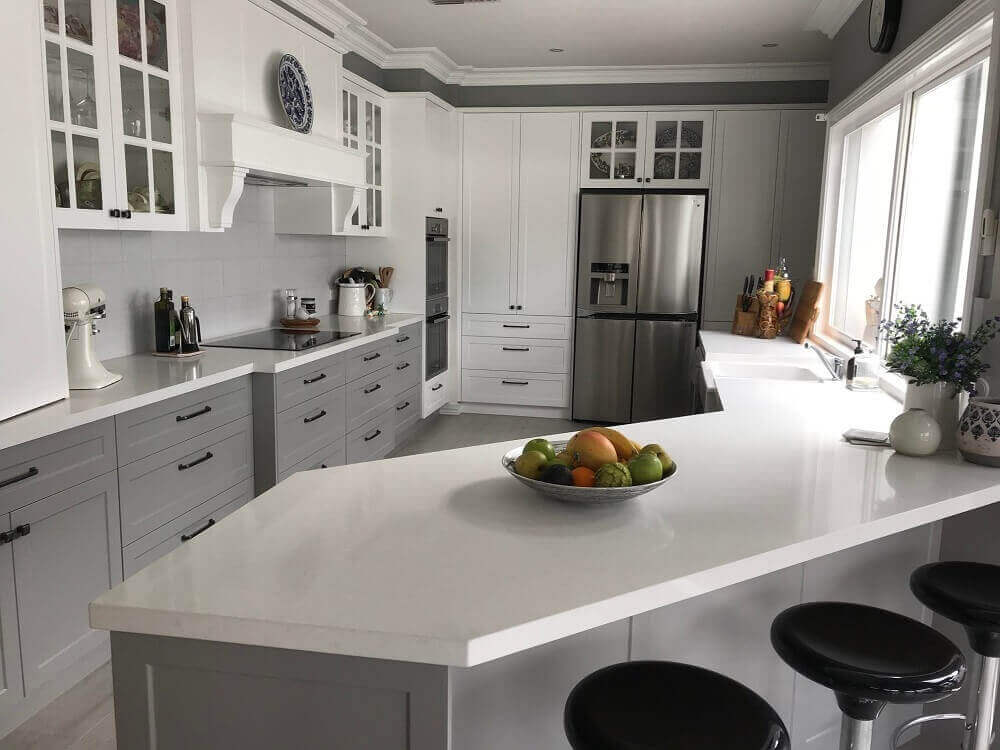 BLACK AND WHITE ELEGANCE. FRENCH PROVINCIAL. ISLAND BENCH KITCHEN. CONTEMPORARY  KITCHEN