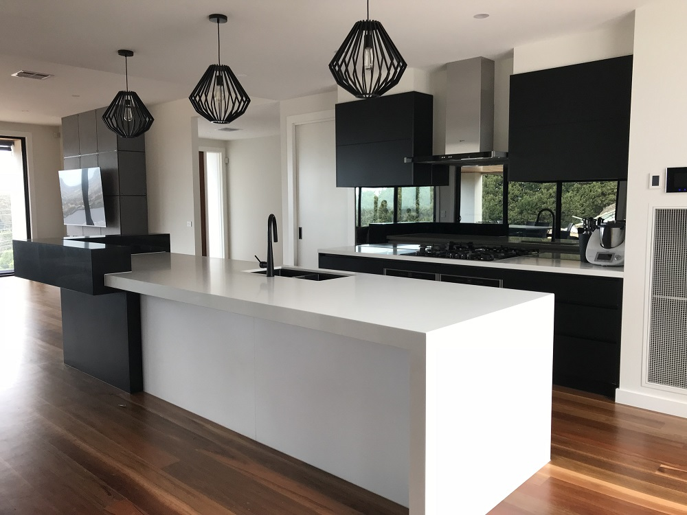 The New Classic Black And White Kitchen Brentwood Kitchens
